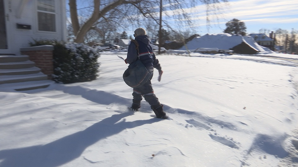 mail carrier snow_348852
