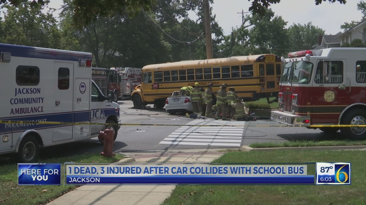 Fatal car-bus crash in Jackson