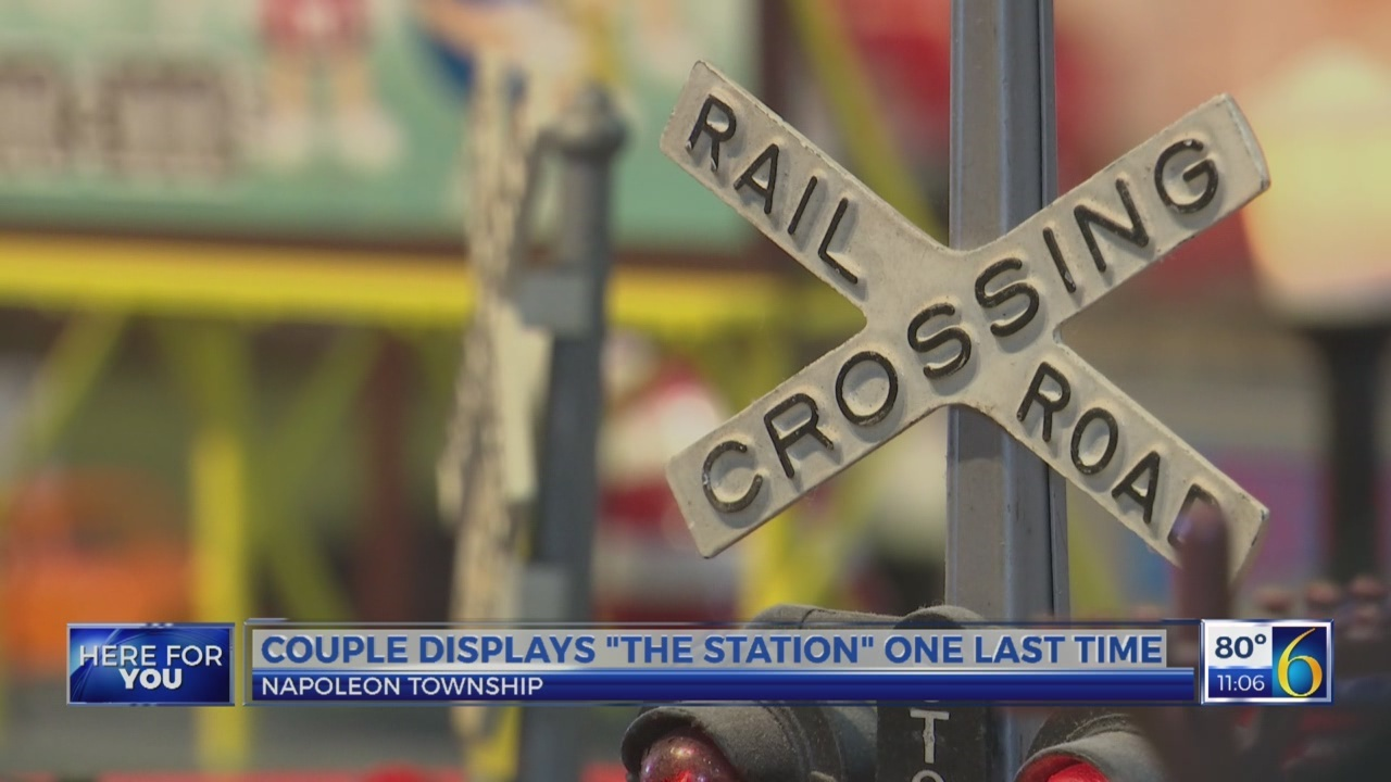 "Couple displays ""The Station"" one last time"