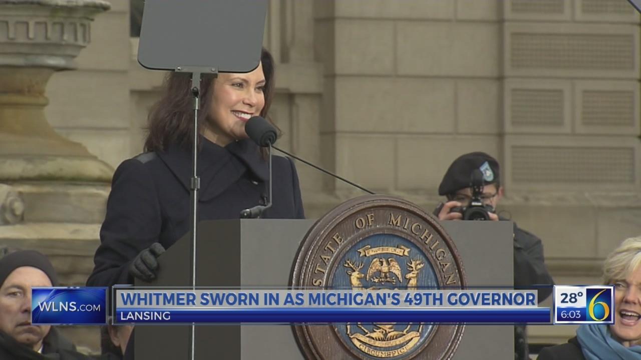 Whitmer gets sworn in