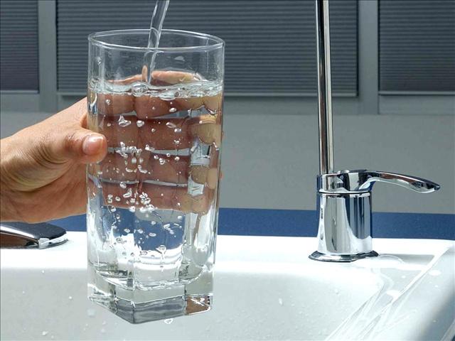 drinking water_9577