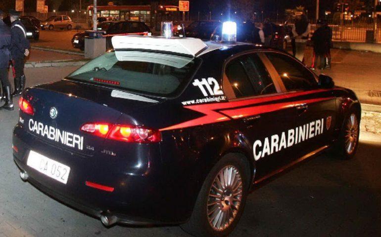Bulli in fuga all'arrivo dei carabinieri in un bar di Lentini ...