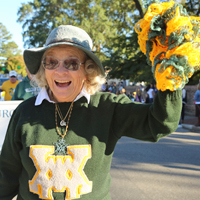 A participant in the 2018 Homecoming Parade. (Photo by Stephen Salpukas)