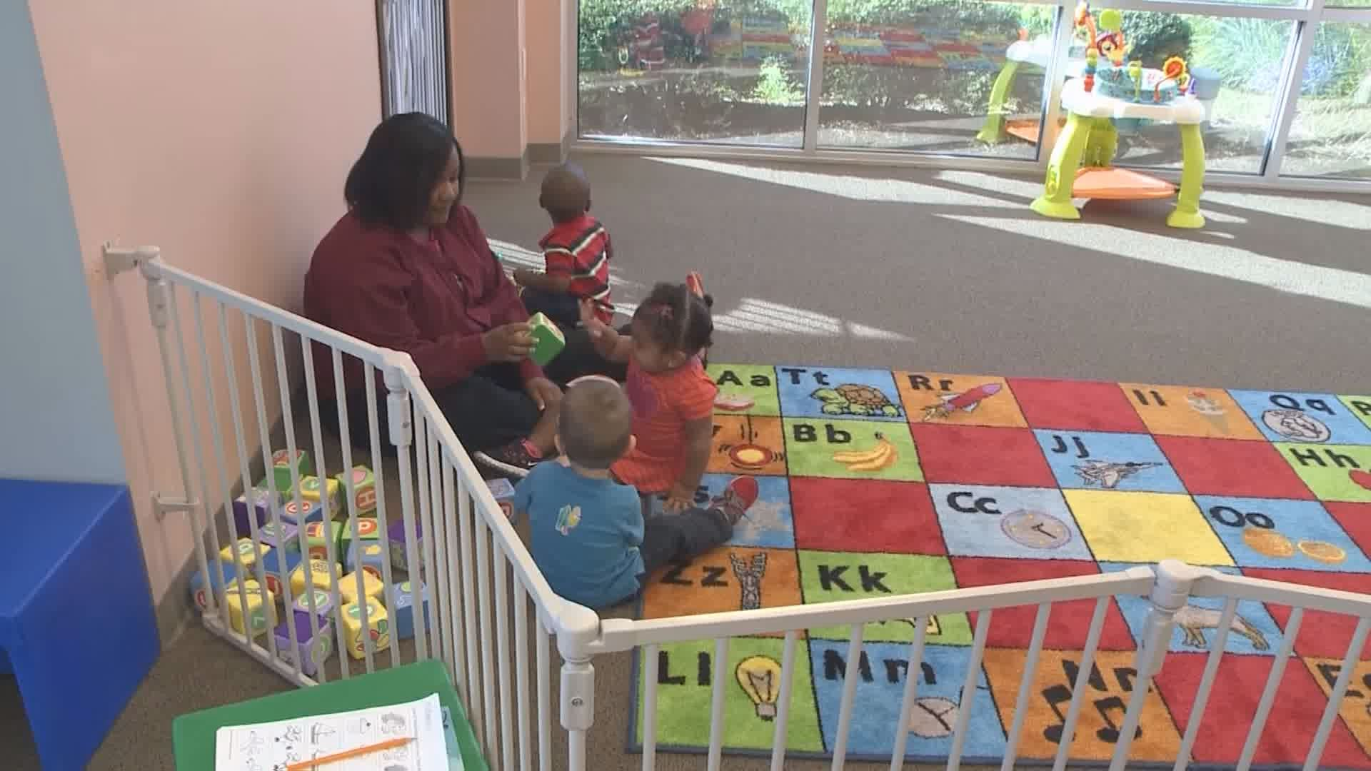 CHILDCARE WORKERS_105796