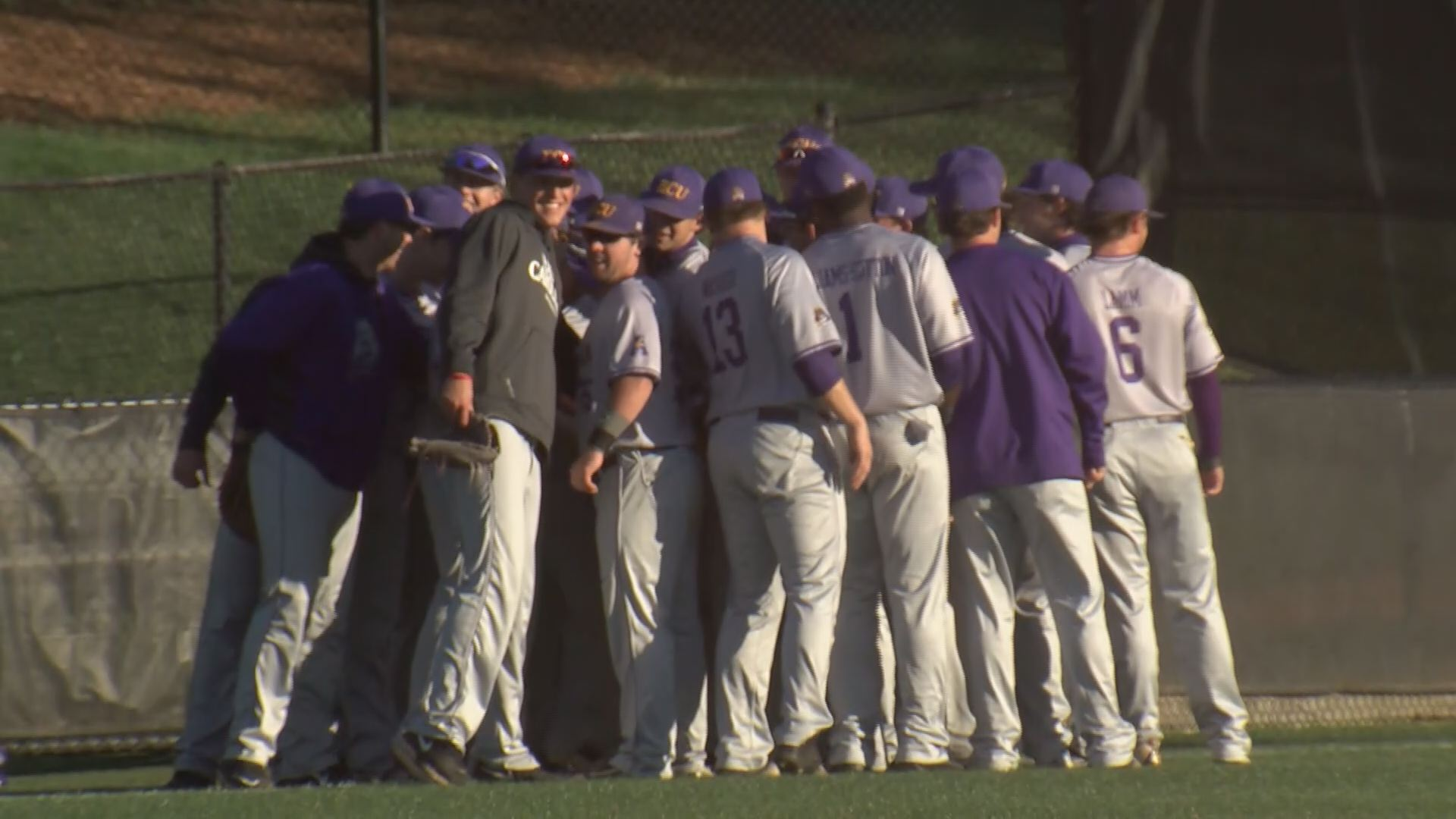 ECU ELON BASEBALL HUDDLE_195378