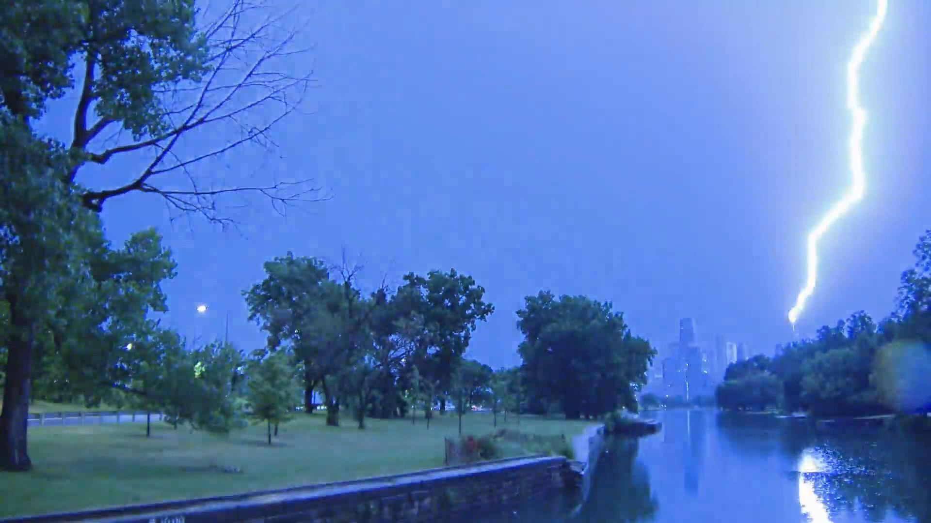 lightning strike_439599