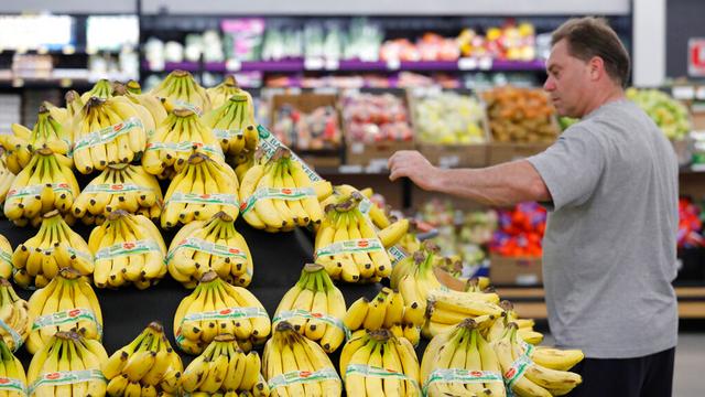 shopping grocery store banana fruit_1556544662491.jpg_85007161_ver1.0_640_360_1556571395664.jpg.jpg