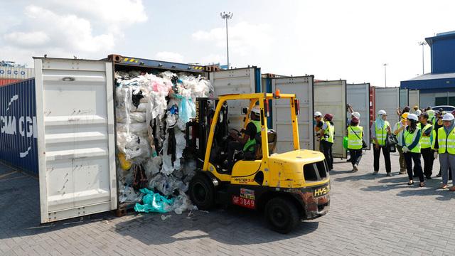 plastic trash_1559043965052.jpg_89482711_ver1.0_640_360_1559074816218.jpg.jpg