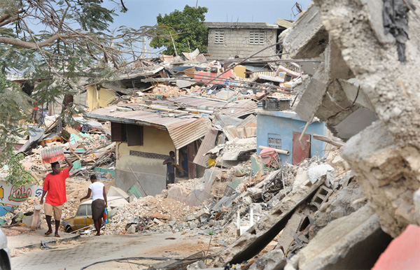 Port-au-Prince, Haiti, homes destroyed by the January 2010 earthquake in which 222,570 people were killed, 300,000 injured and 1.3 million displaced. An estimated 97,924 houses were destroyed and 188,383 damaged in Port-au-Prince (Photo: NOAA.gov)