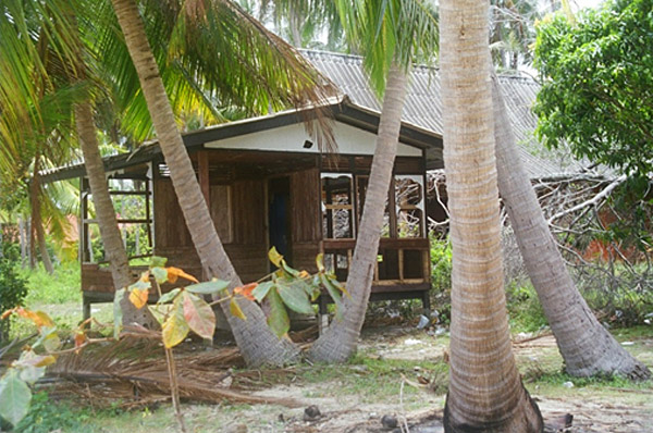My former lodgings at Bay Hut on Ko Pha Ngan Island, after falling into disrepair and disuse (Photo: Anthony C. LoBaido)