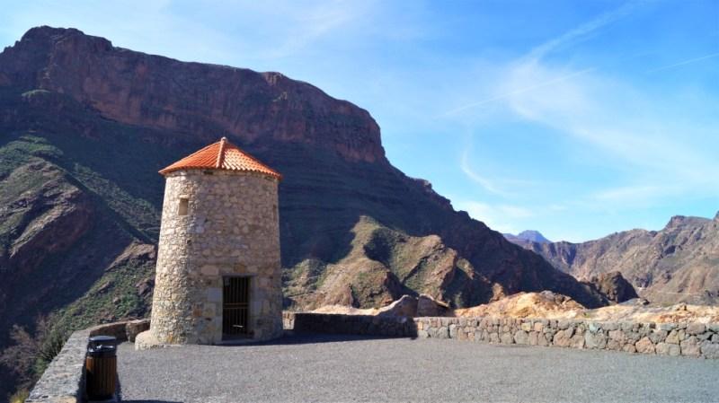Aussichtsturm Mirador del Molino am Stausee Barranco de La Aldea de San Nicolas