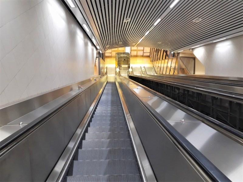 Rolltreppe zur Metro in Stockholm