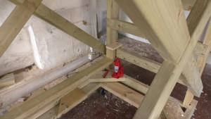 homemade-scaffolding-00074