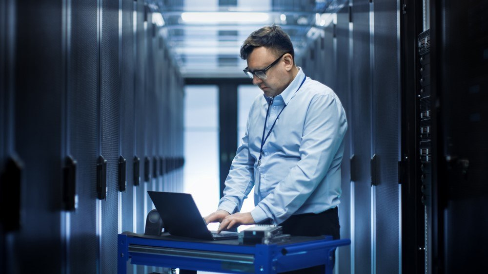 dedicated servers vs cloud servers pros and cons
