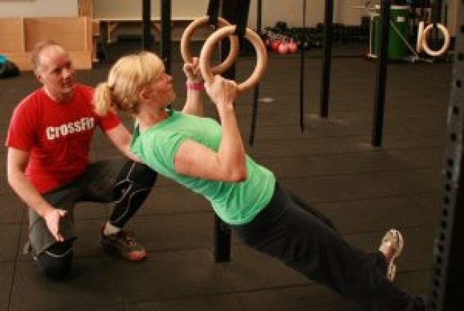 crossfit-ring-pull-up-2