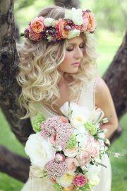 gorgeous messy wedding hairstyles