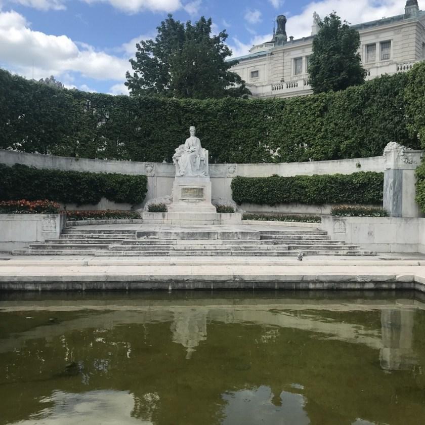 Kaiserin Elisabeth-Denkmal
