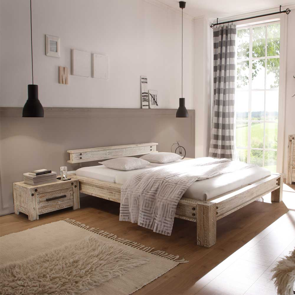 Holzbett Vessina in Wei aus Akazie Massivholz  Wohnende