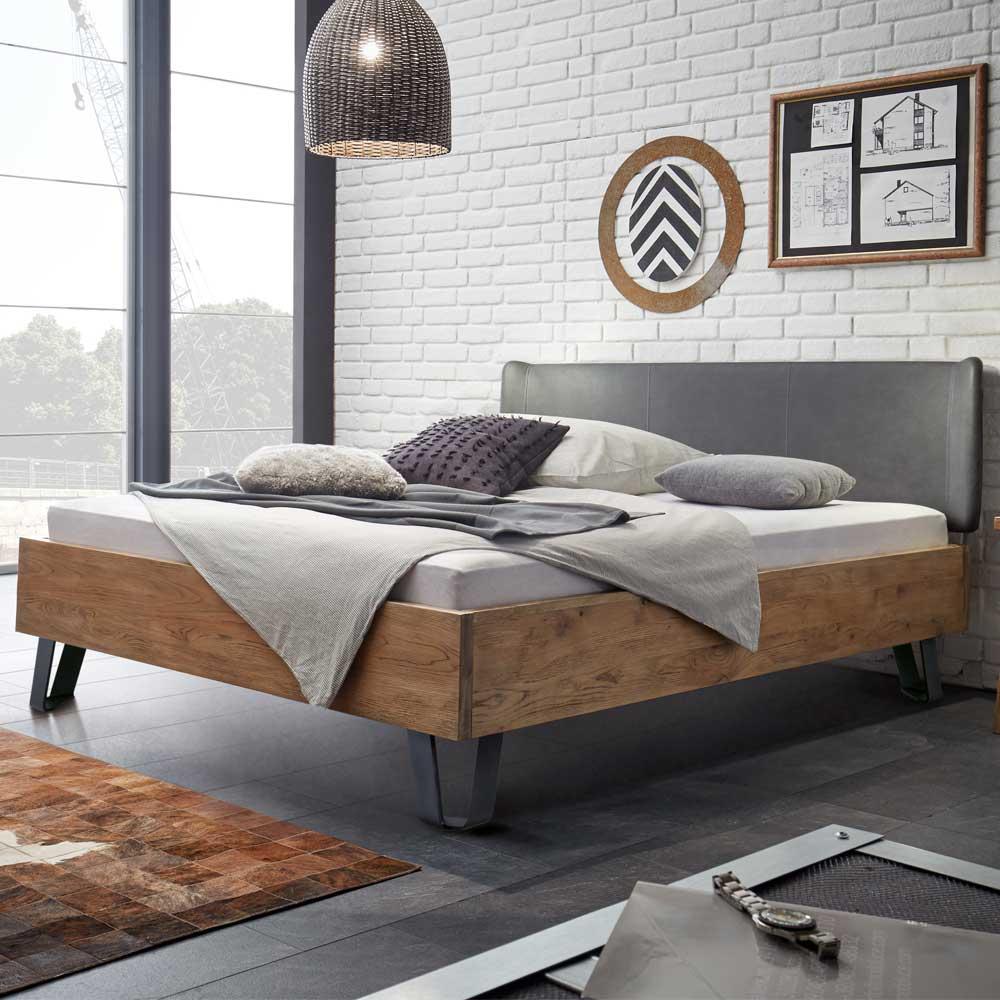Loft Design Bett aus Wildeiche massiv Earl  Wohnende