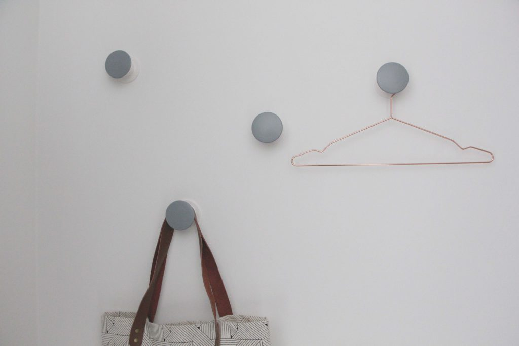 Schneller IkeaHack Garderobenhaken in grau  wohnmadamede