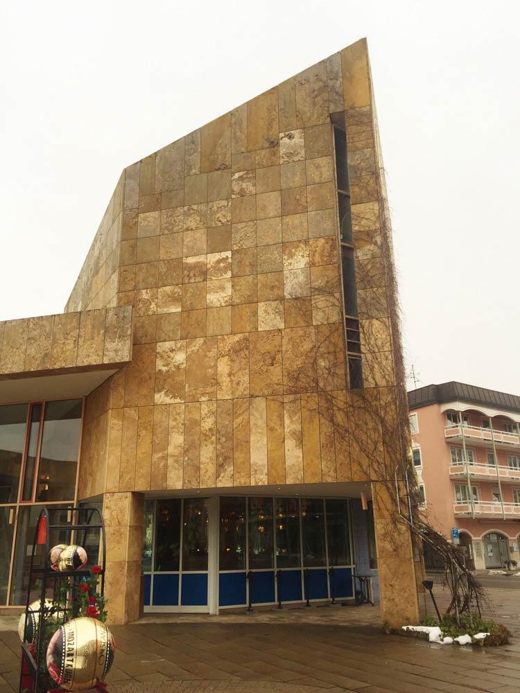 Travertin Naturstein Fassadenplatten Fassadenverkleidung