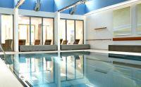Hallenbad in der Seniorenresidenz - Premium ...