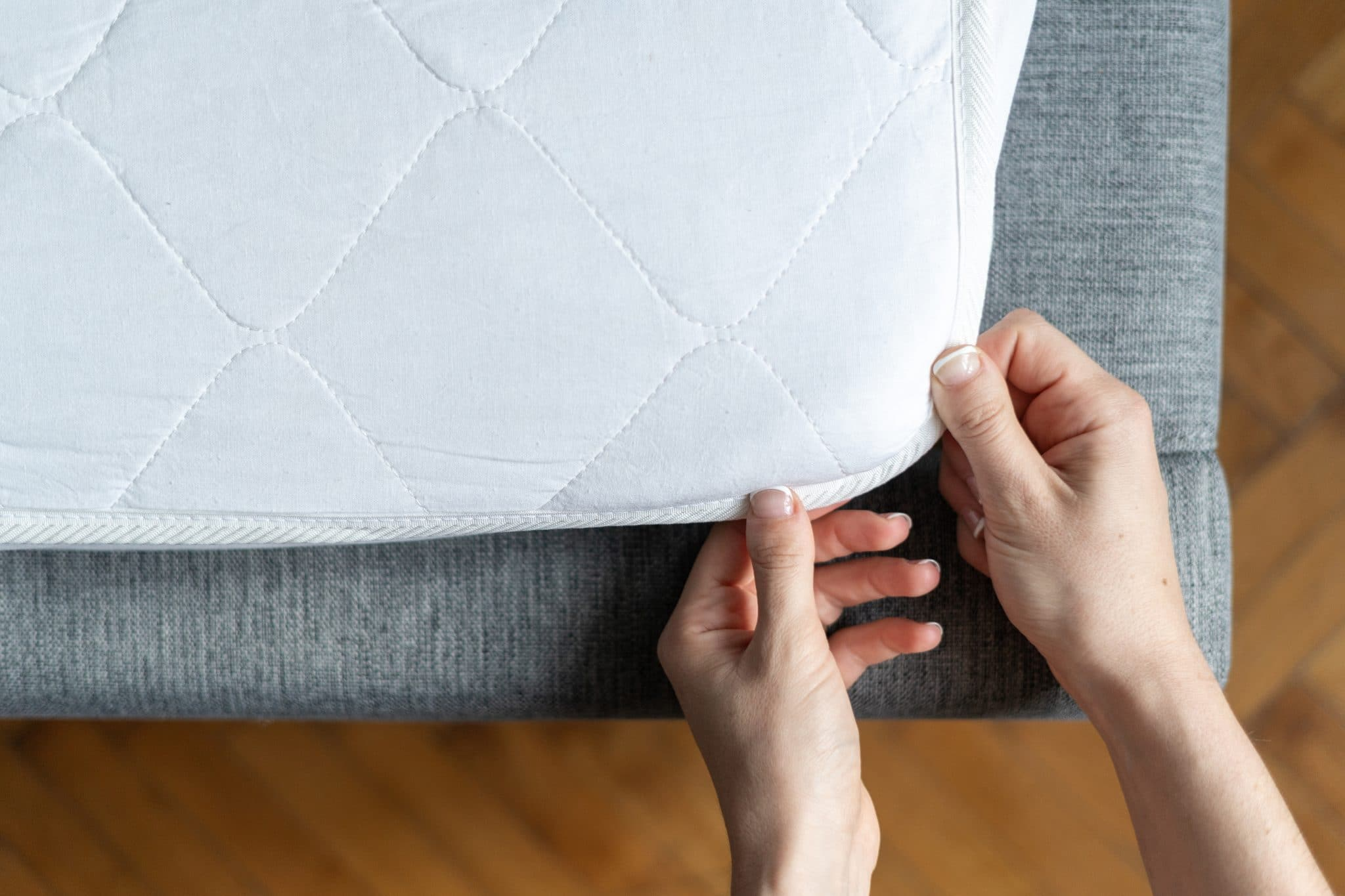 The 5 Best Mattress Toppers for Back Pain (2020) - Wohomen