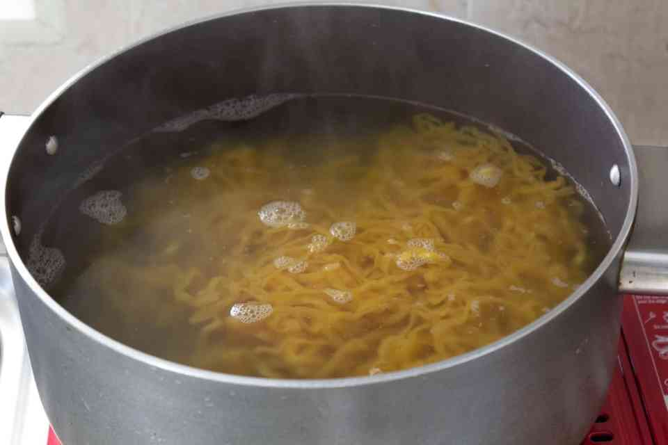 Cooking the egg noodles
