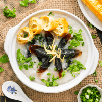 Century Egg and Pork Congee (皮蛋瘦肉粥)
