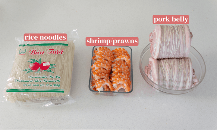 Rice noodles, peeled prawns and pork belly.