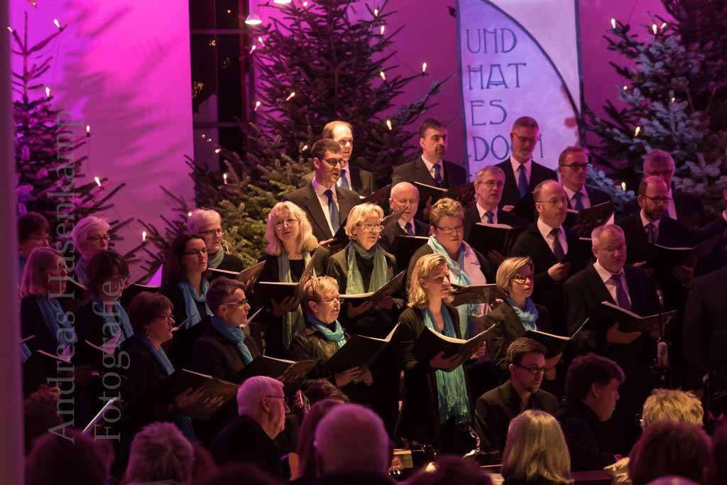 Ursula Blanke dankte der gastgebenden Gemeinde in St. Bernhard – und ihren Sängern und Musikern. Foto: A. Hasenkamp, Fotograf in Münster.