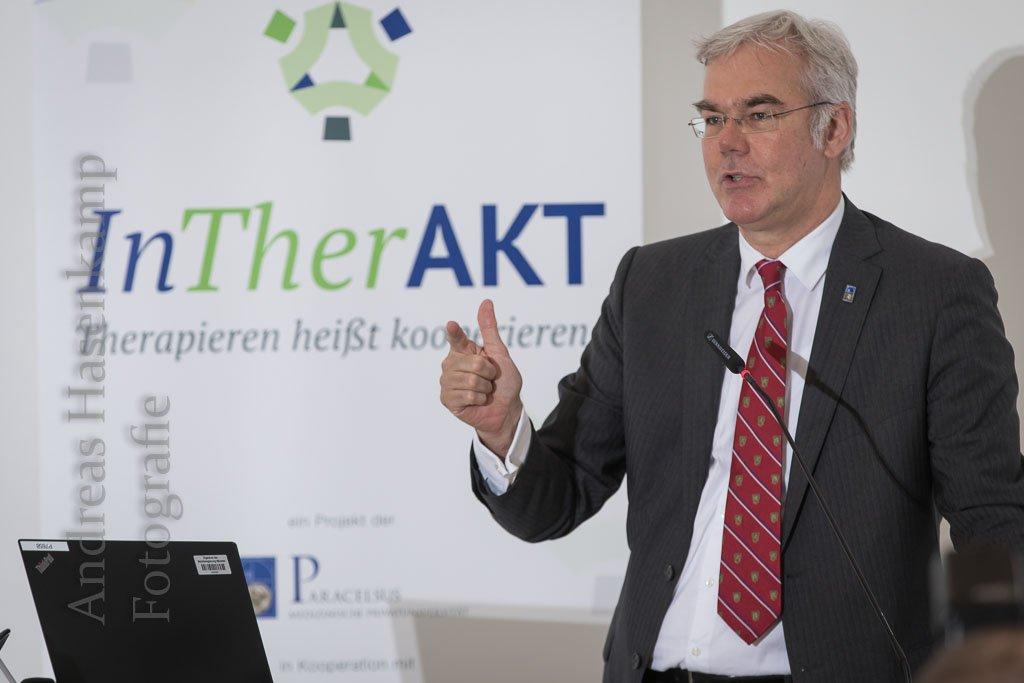 Abschluss InTherAKT Arzneimittel im Altersheim Gesundheitspolitiker diskuktieren mit Gesundheitsexperten. Foto: A. Hasenkamp.