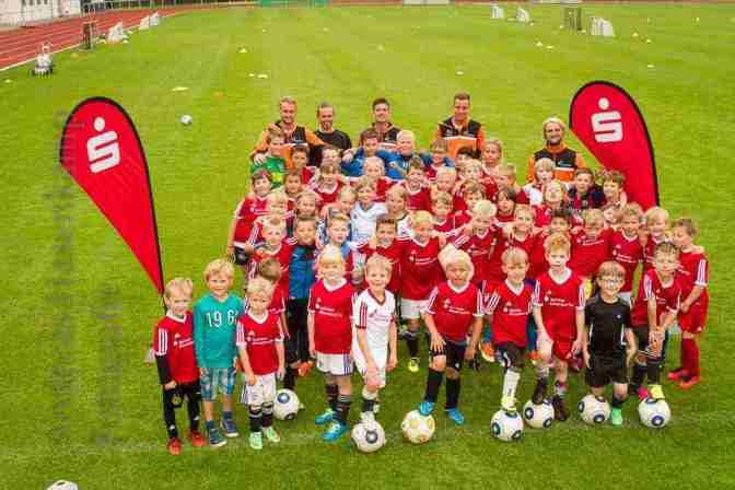 Die Kinder und Trainer beim Fußball-Camp des VfL Wolbeck. Foto: A. Hasenkamp, Fotograf in Münster.