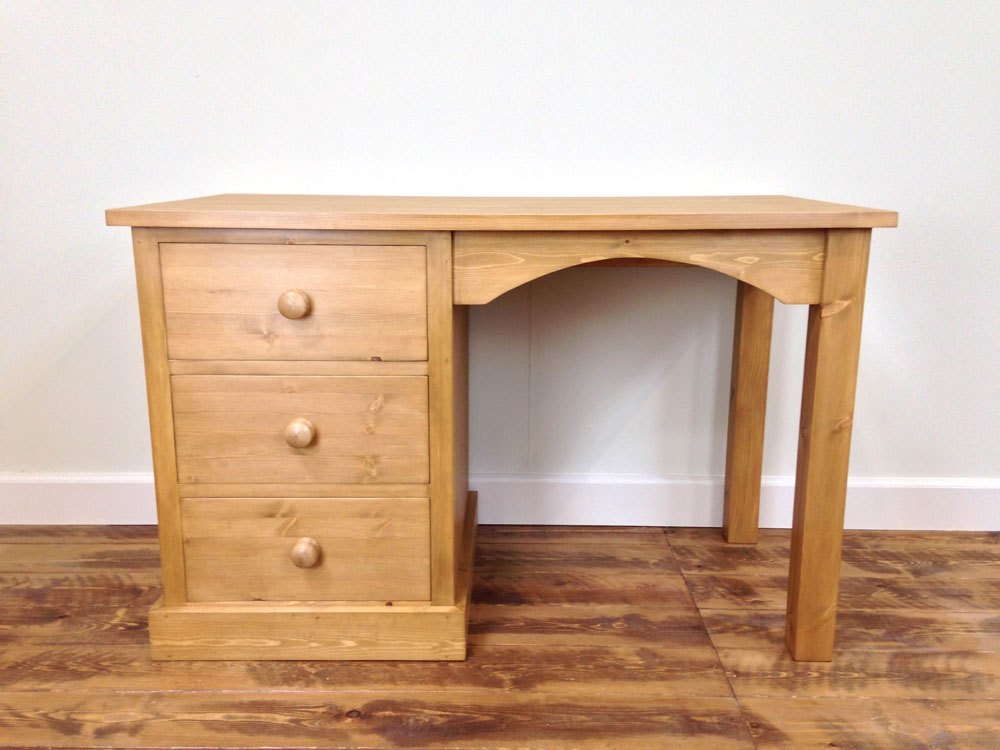 Pine Desk  Wolds Furniture Company