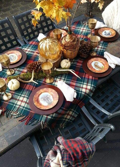 thanksgiving-table-inspiration-plaid