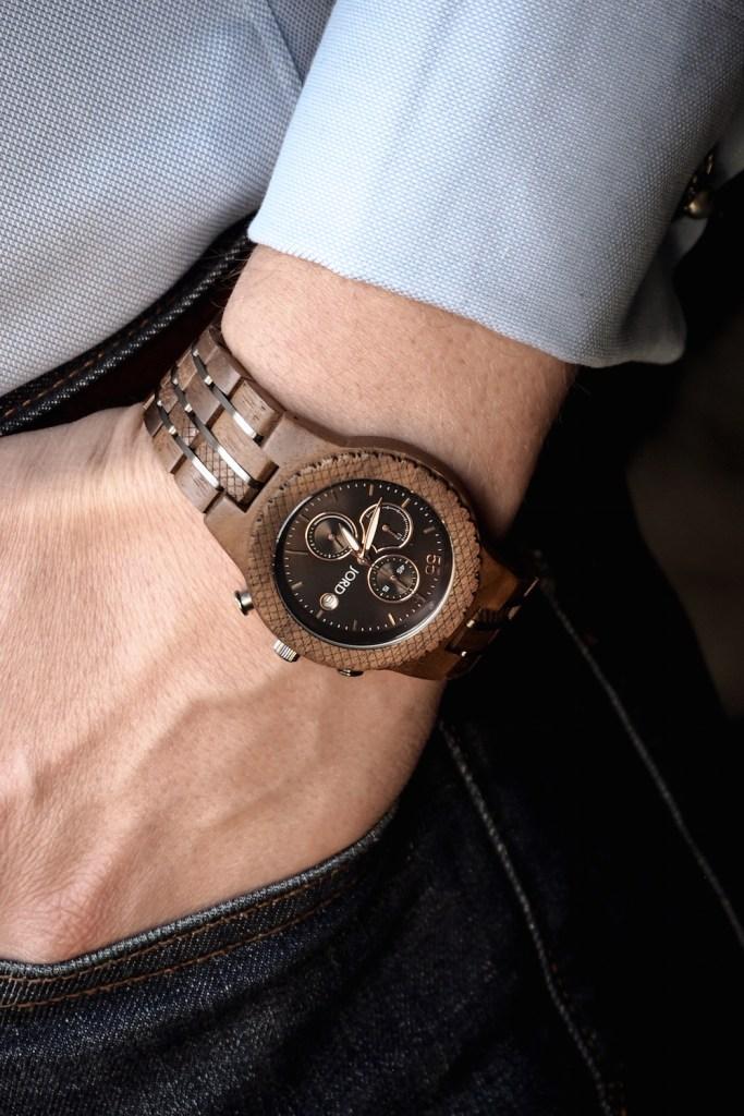 Wooden JORD Conway watch worn with dark blue jeans