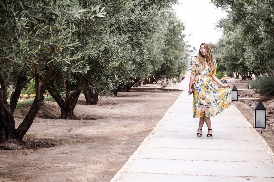 H&M lemon print dress, H&M black espadrilles, ray-ban sunglasses, H&M clutch bag | Wolf & Stag