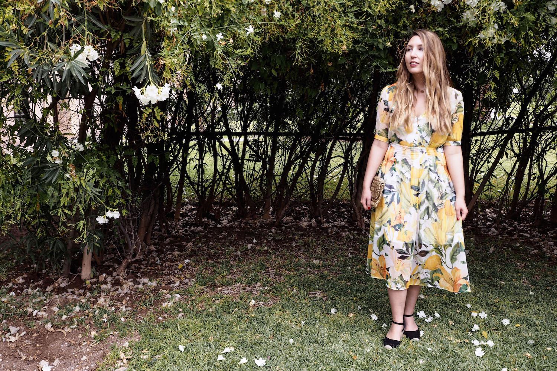 H&M lemon print dress, H&M black espadrilles, ray-ban sunglasses, H&M clutch bag   Wolf & Stag