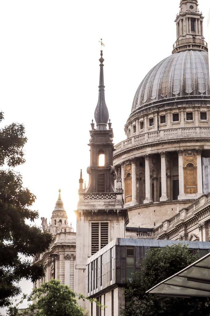 Visiting London: Tourist Sites to hit...and the ones to miss | St Paul's Cathedral | Wolf & Stag