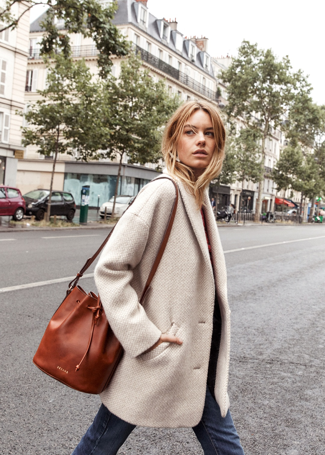 Try on Trials: An Honest Review of Sezane   The Farrow Bag in Smooth Chocolate   Wolf & Stag