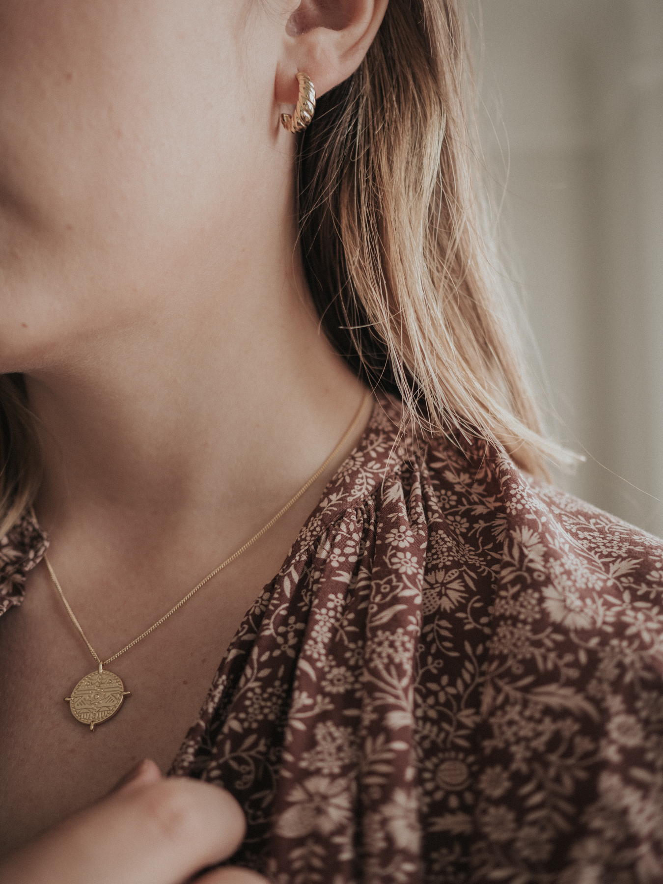 5 Affordable Jewelry Brands You Need to Know | Featuring sustainable, ethical, and affordable gold jewelry brands with beautiful designs