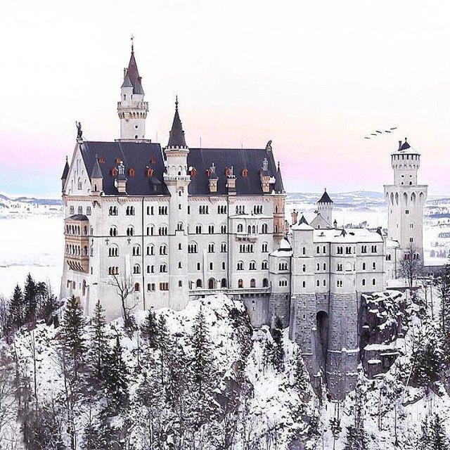 Seems fairytales really do exist!  by lukaseliaswinkler whencanimovein aslongasidonthavetocleanallthosewindowshellip