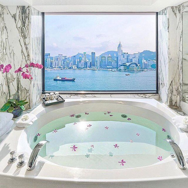 Now this is the perfect view for bath time! Thehellip