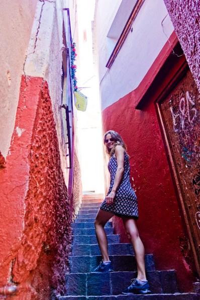 El Callejon del Beso, a fun love story, Mexican style