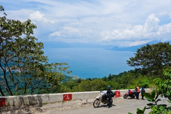 The lake sent us off with a few delightful kilometers of twisties.