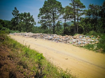 The garbage piles all over the mexican landscapes is heartbreaking