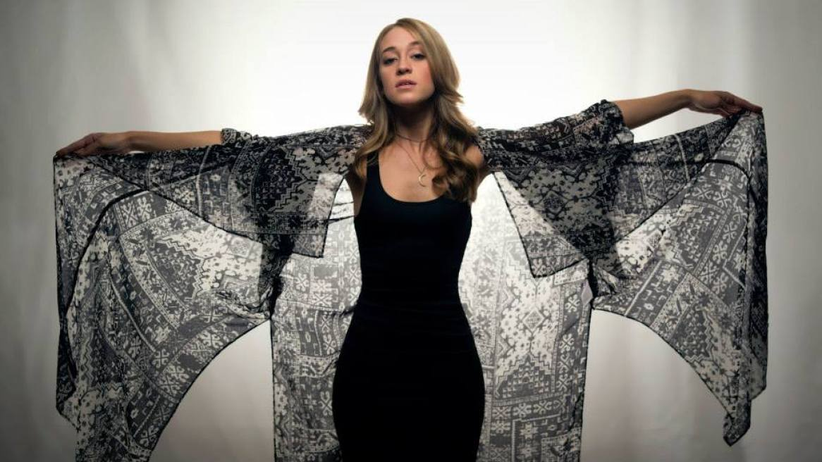 Top 5 Indie Queens of Music Round 12-indie music-indie pop-new music-music blog-queens of music round 12-wolfinasuit-wolf in a suit