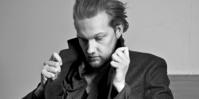 i can't get to sleep by alexander wolfe-alexander wolfe-i can't get to sleep-indie music-americana-indie folk-new music-music blog-uk-wolfinasuit-wolf in a suit
