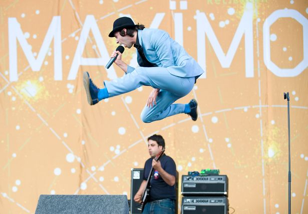 music video recommendation-get hig (No i dont)-maximo park-indie music-indie rock-uk-new music-music video-music blog-indie blog-wolfinasuit-wolf in a suit