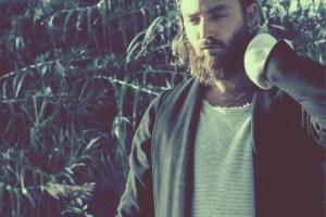 must listen-ry x-australia-indie music-indie folk-new music-music video-beacon-music blog-indie blog-wolfinasuit-wolf in a suit